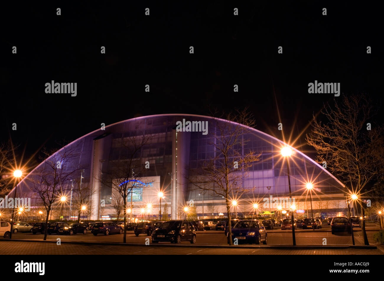 PICTURE CREDIT DOUG BLANE The Xscape building pictured at night in Central Milton Keynes, the Centre MK - Stock Image