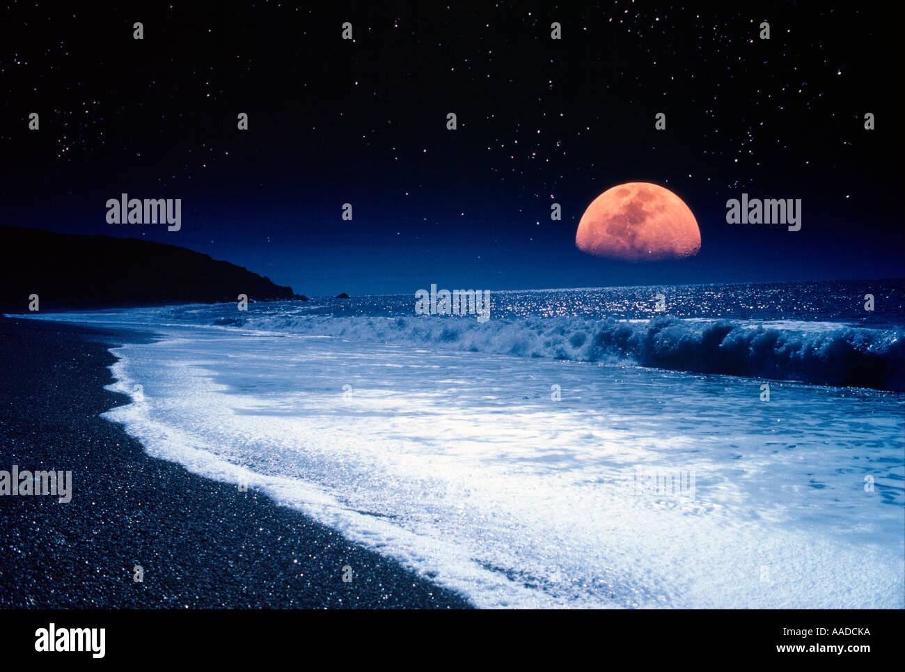 Moonrise Chale Beach Isle of Wight UK England Great Britain - Stock Image