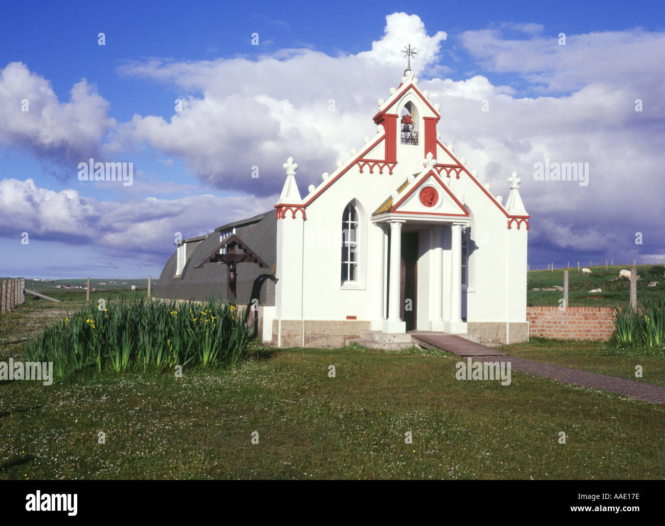 dh  ITALIAN CHAPEL ORKNEY Decorated Prisoner of war Nissen church hut building Lambs Holm pow camp Stock Photo