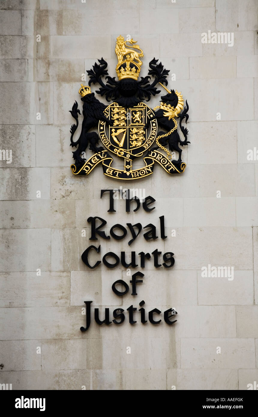 The Royal Courts of Justice crest Strand London Stock Photo