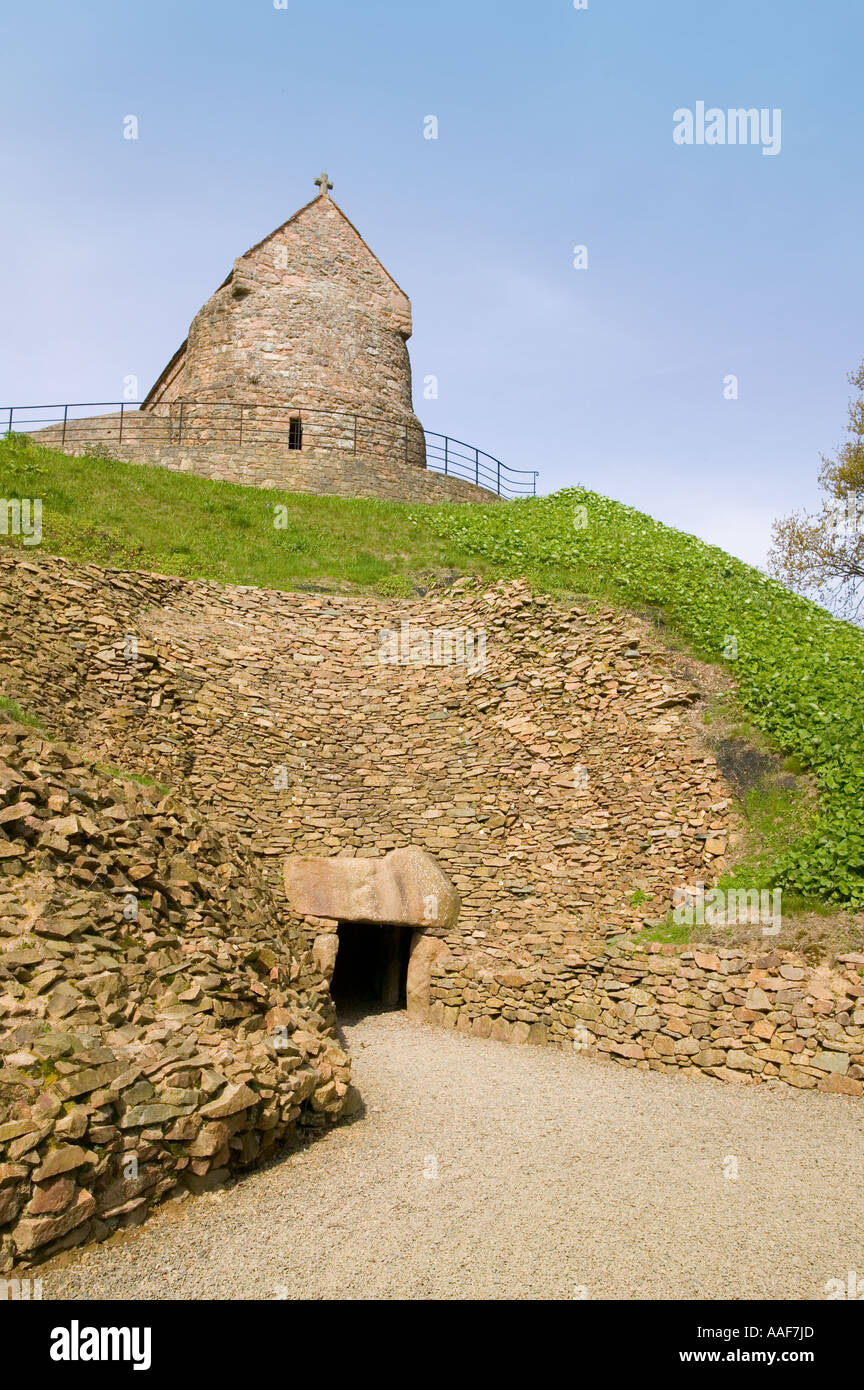 Entrance to Neolithic Grave at La Houge Bie - Stock Image