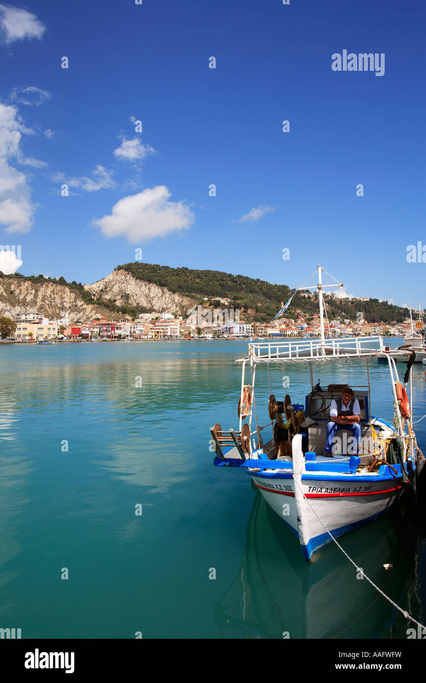 GREECE IONIAN ZAKYNTHOS ISLAND A VIEW OF ZANTE TOWN FROM ACROSS THE HARBOUR - Stock Image