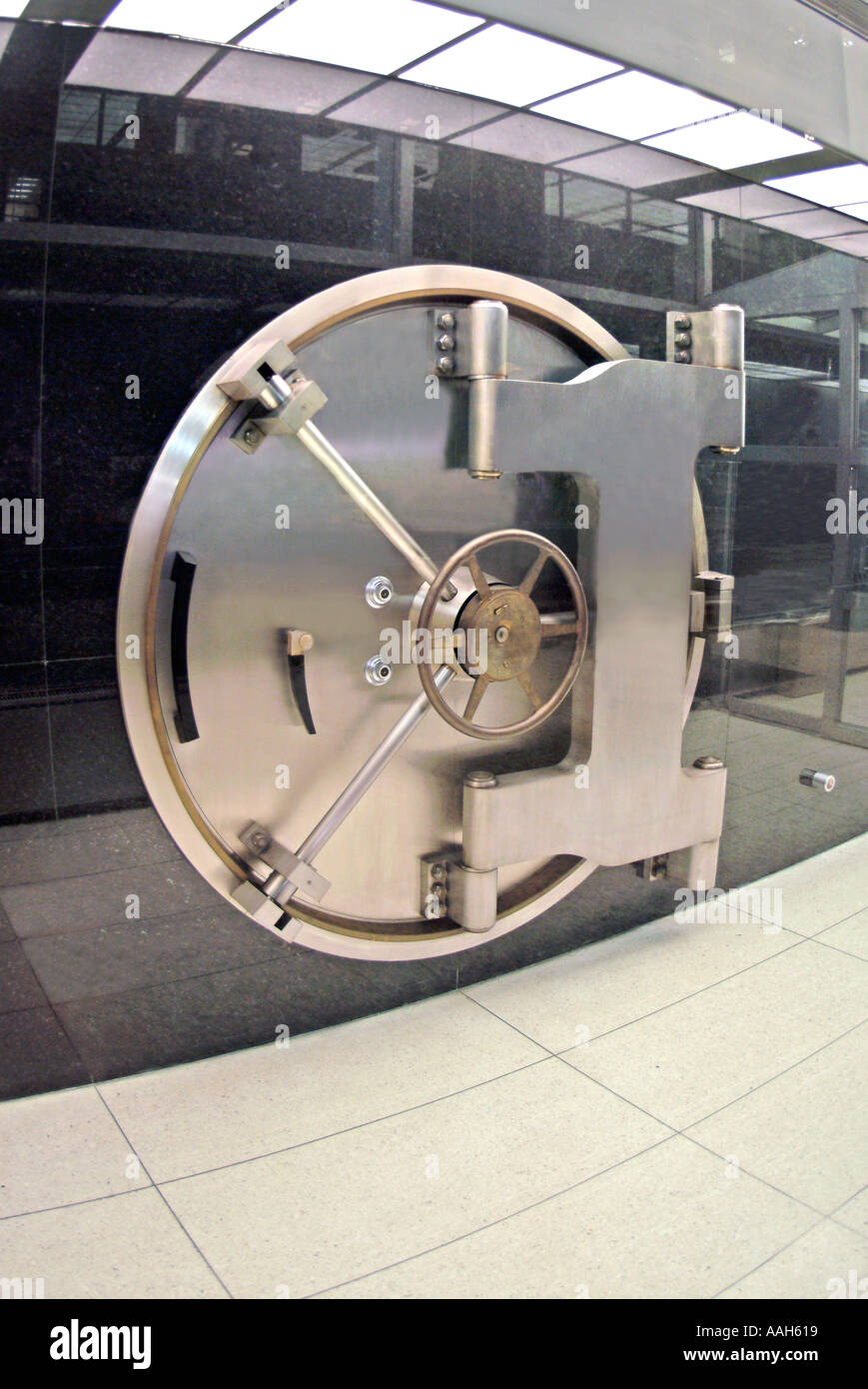 Steel door of bank vault in New York City - Stock Image