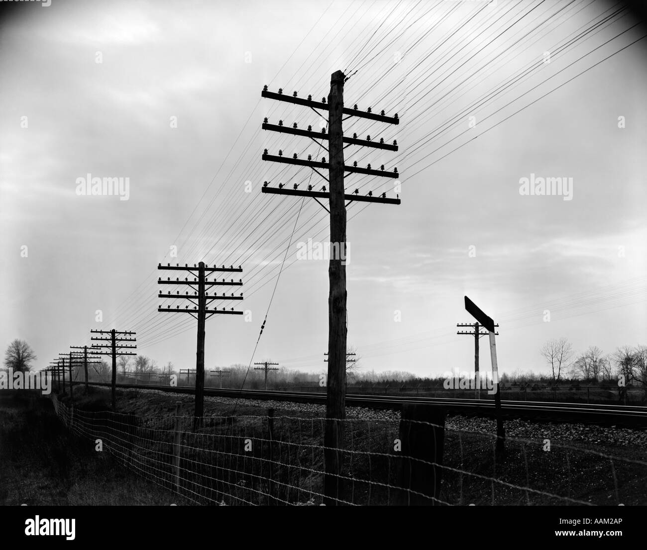 Pleasant 1930S 1940S Telegraph And Telephone Poles And Wires Along Railroad Wiring Digital Resources Anistprontobusorg