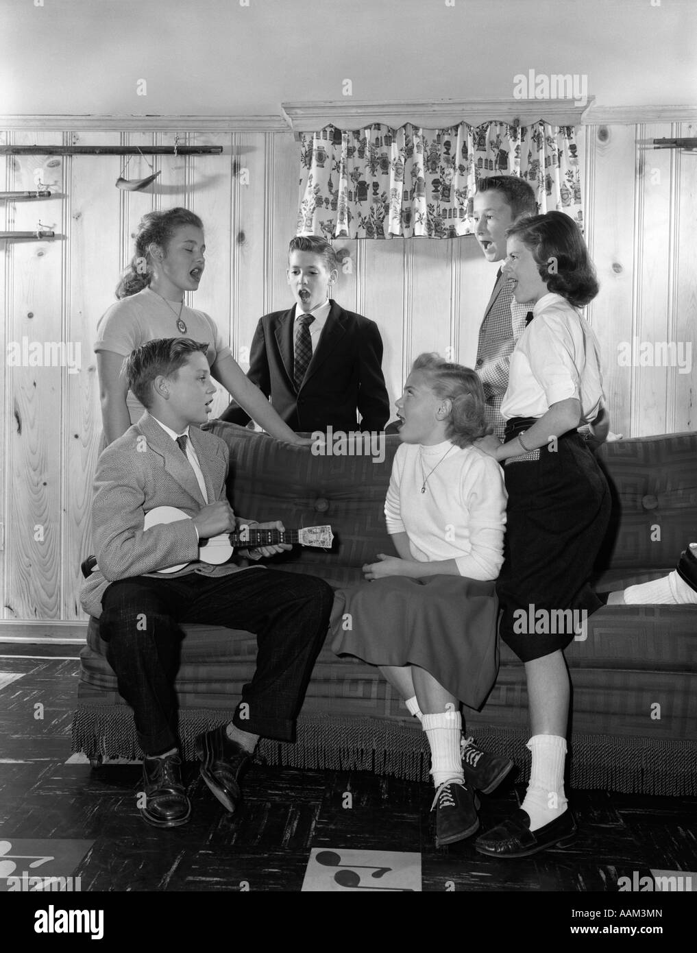 Enjoyable 1950S Group Six Teenagers Three Boys Three Girls Sitting On Gmtry Best Dining Table And Chair Ideas Images Gmtryco