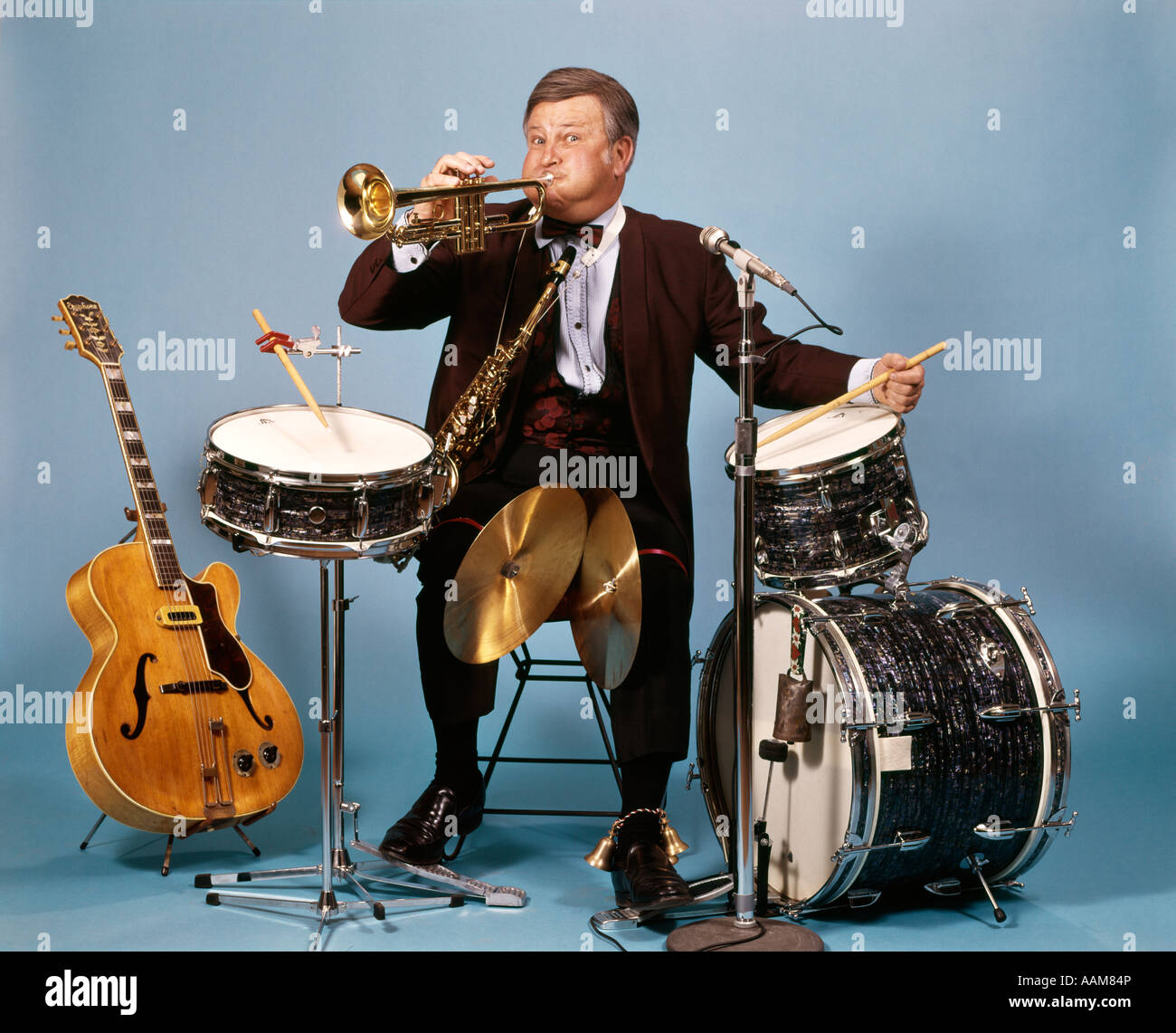 One Man Song Download By Singa: ONE MAN BAND WITH DRUMS CYMBALS TRUMPET SAXOPHONE BELLS