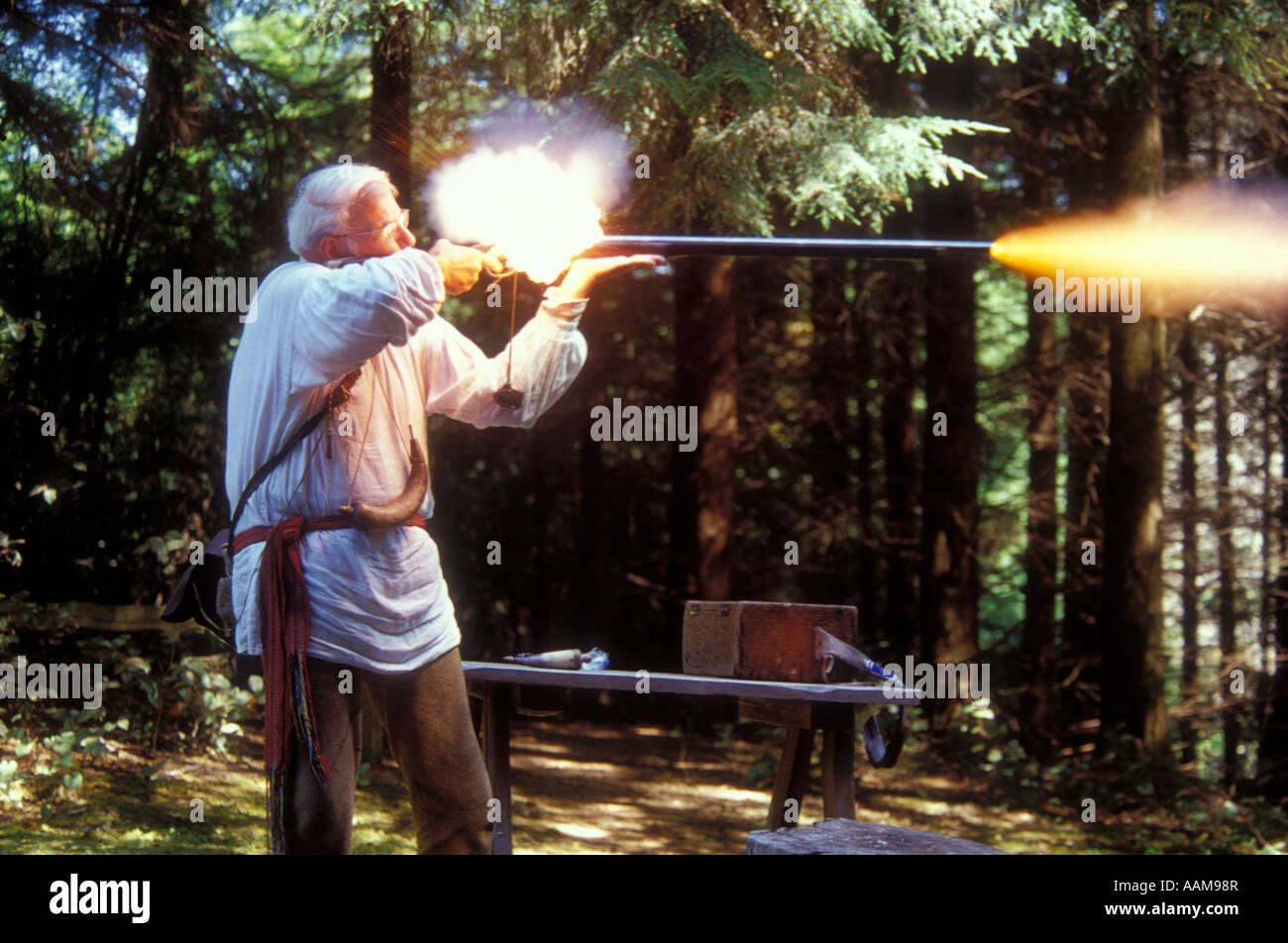 RANGER LIVING HISTORY GUN DEMONSTRATION LEWIS AND CLARK NATIONAL HISTORIC PARK - Stock Image