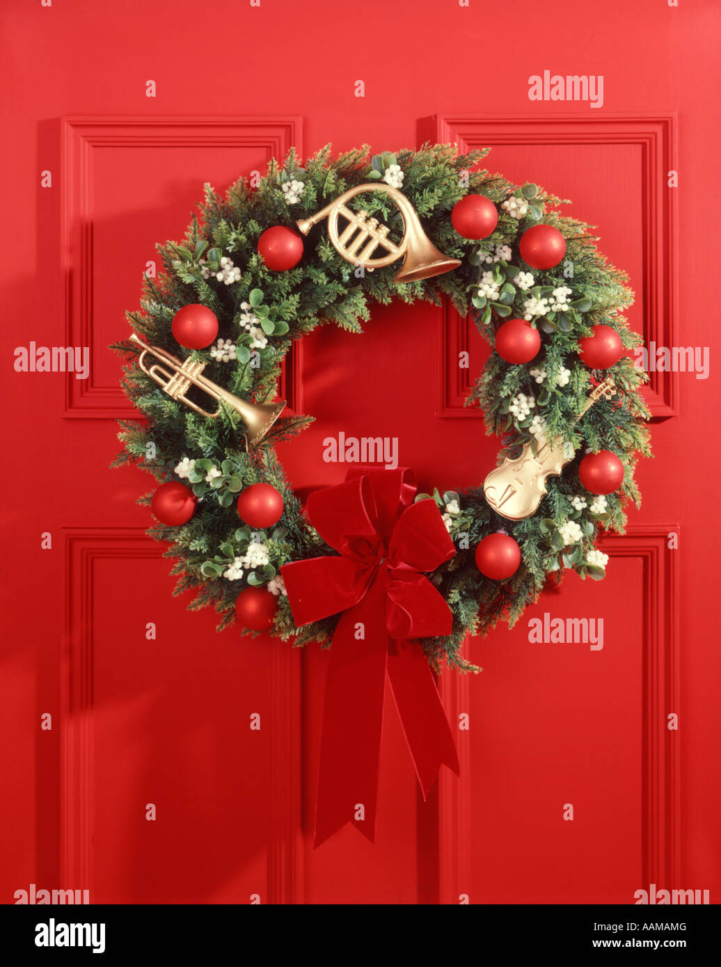 Christmas Wreath On Red Door Stock Photo 12660495 Alamy