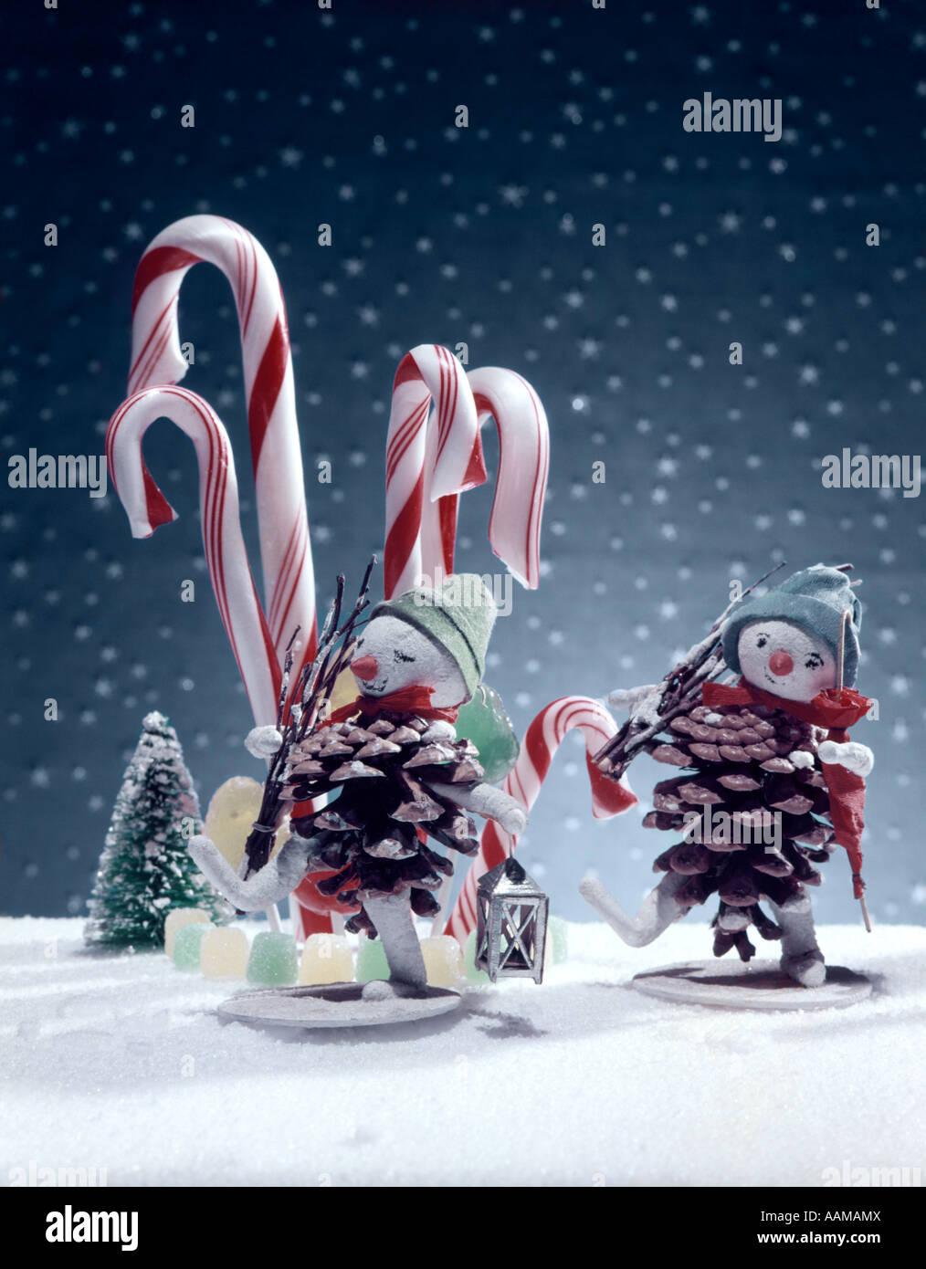 Vintage Christmas Decorations 1950s.1950 1950s Retro Christmas Ornaments Candycane Pinecones