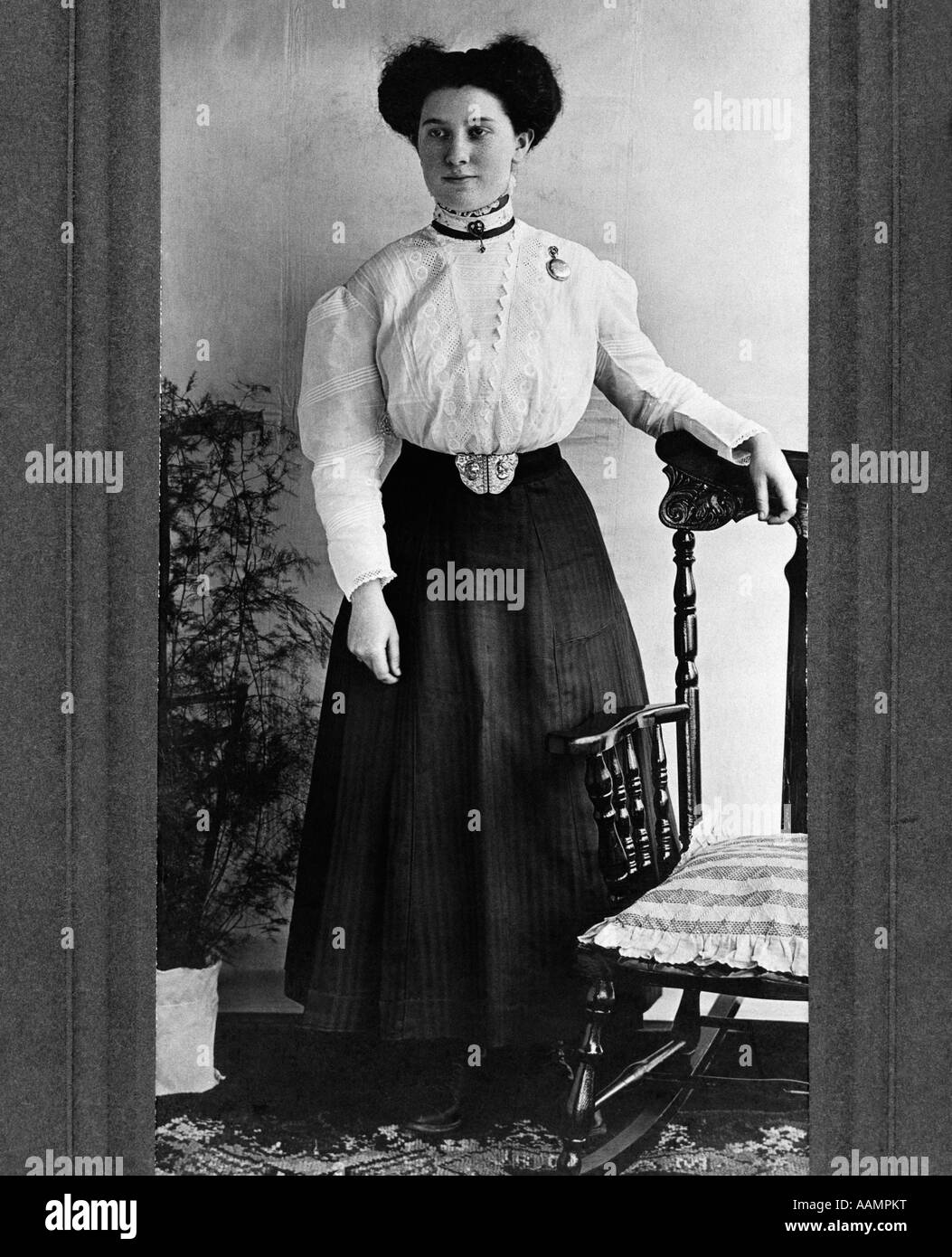 1890s 1900s Turn Of The Century Full Length Portrait Woman
