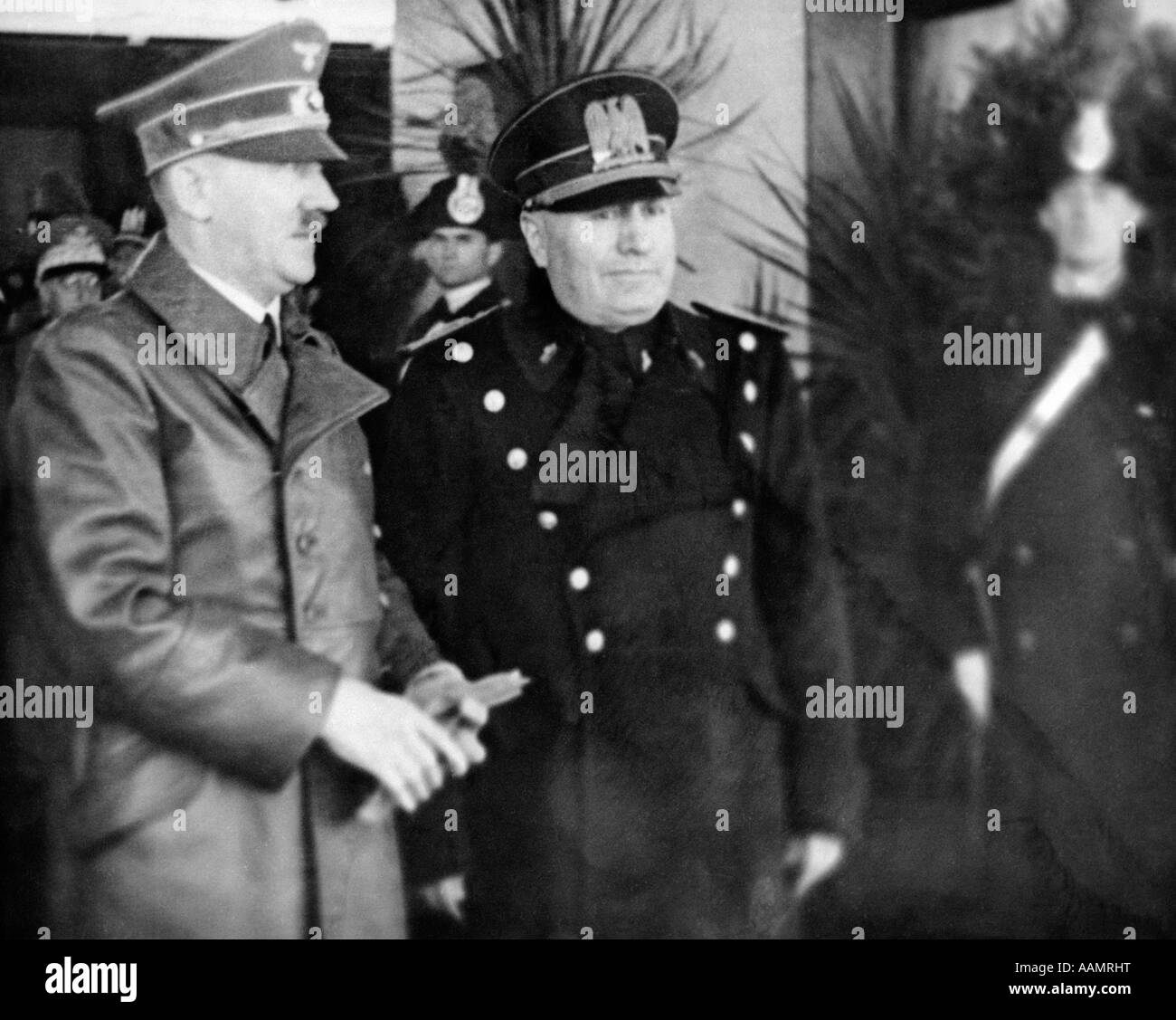 MAY 1939 ADOLPH HITLER AND BENITO MUSSOLINI DURING HITLER'S VISIT TO ITALY - Stock Image