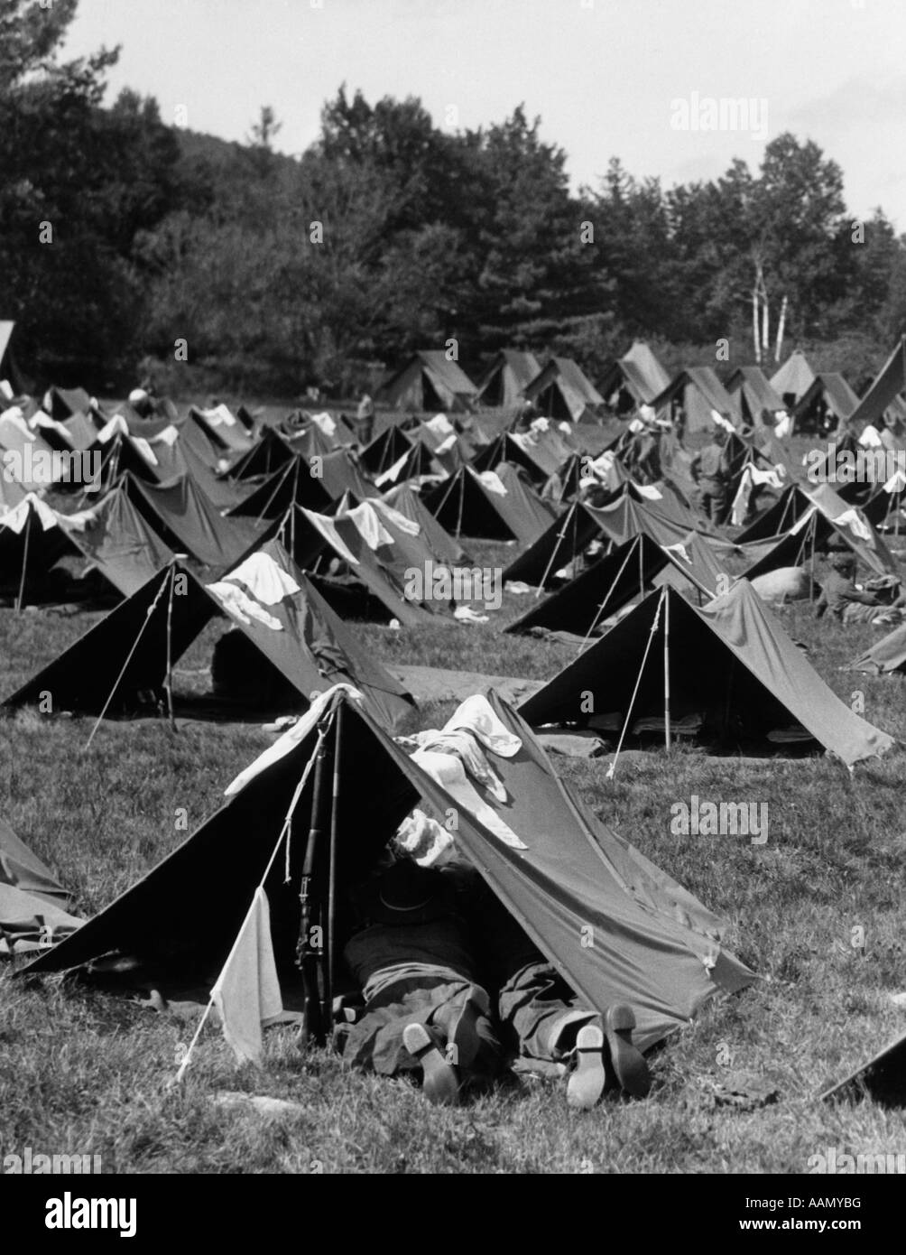 1940s WORLD WAR II SOLDIER PUP TENTS Stock Photo: 12666099 ...