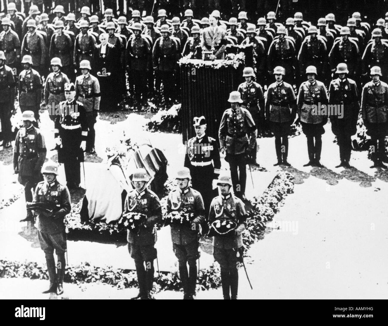 1930s GERMAN TROOPS IN FORMATION STATE FUNERAL OF GENERAL PAUL VON HINDENBURG AUGUST 1934 - Stock Image