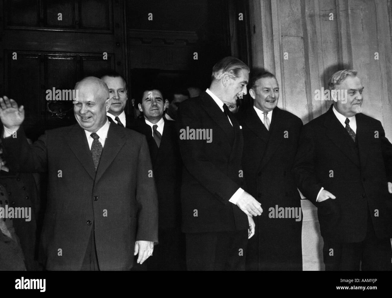 1950s NIKITA KHRUSHCHEV RUSSIAN PREMIER ANTHONY EDEN BRITISH PRIME MINISTER & SELWYN LLOYD & H.H. BULGANIN - Stock Image