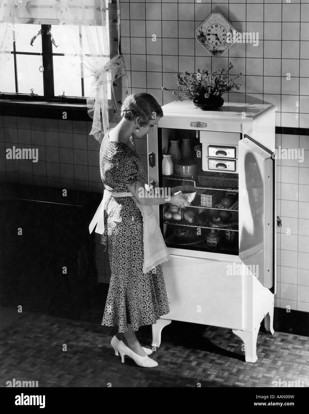 1920s Kitchen Stock Photos Images Alamy 1930s Blond Woman Apron