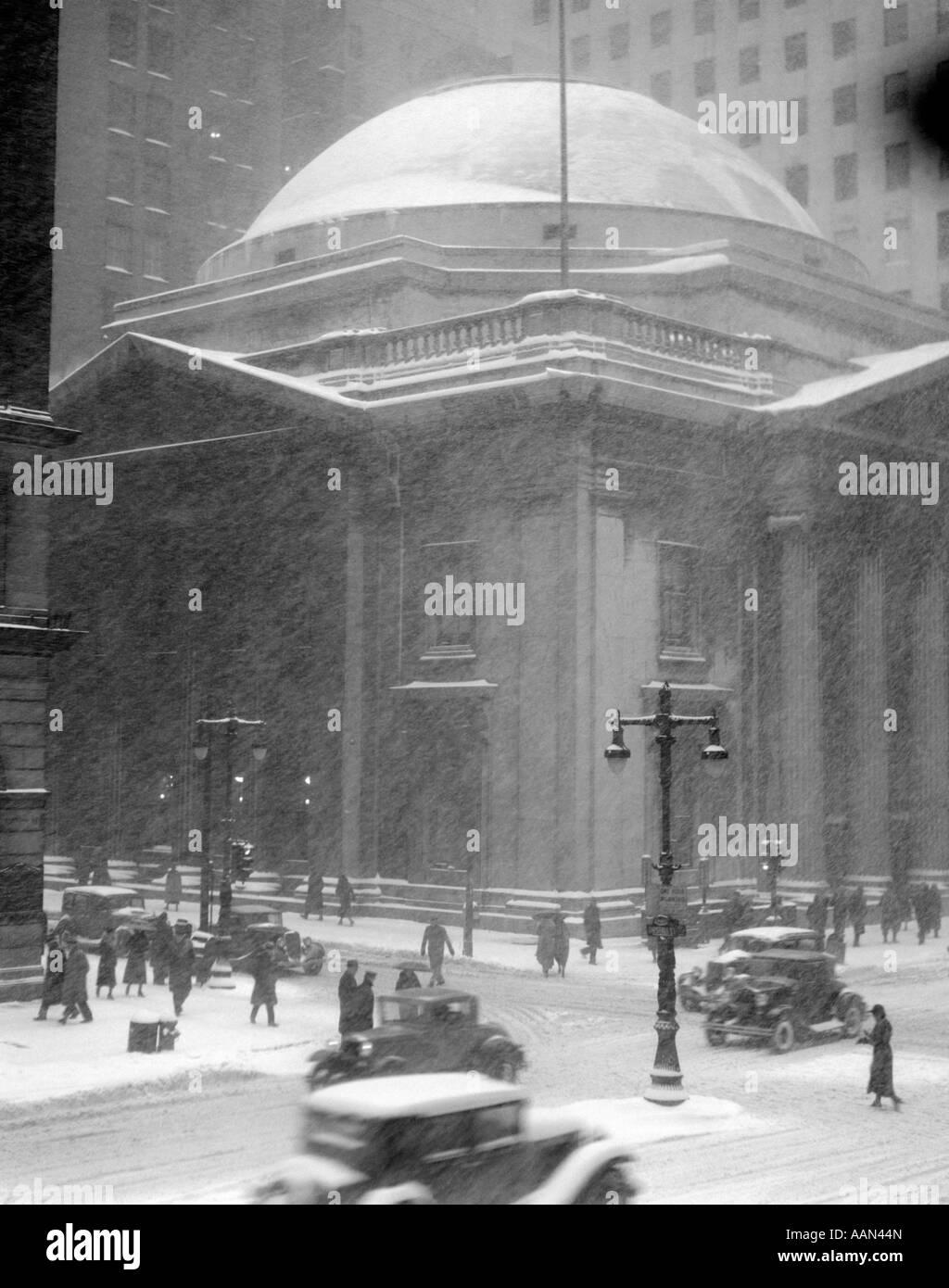1930s Girard Bank Building Philadelphia Pa Pedestrians