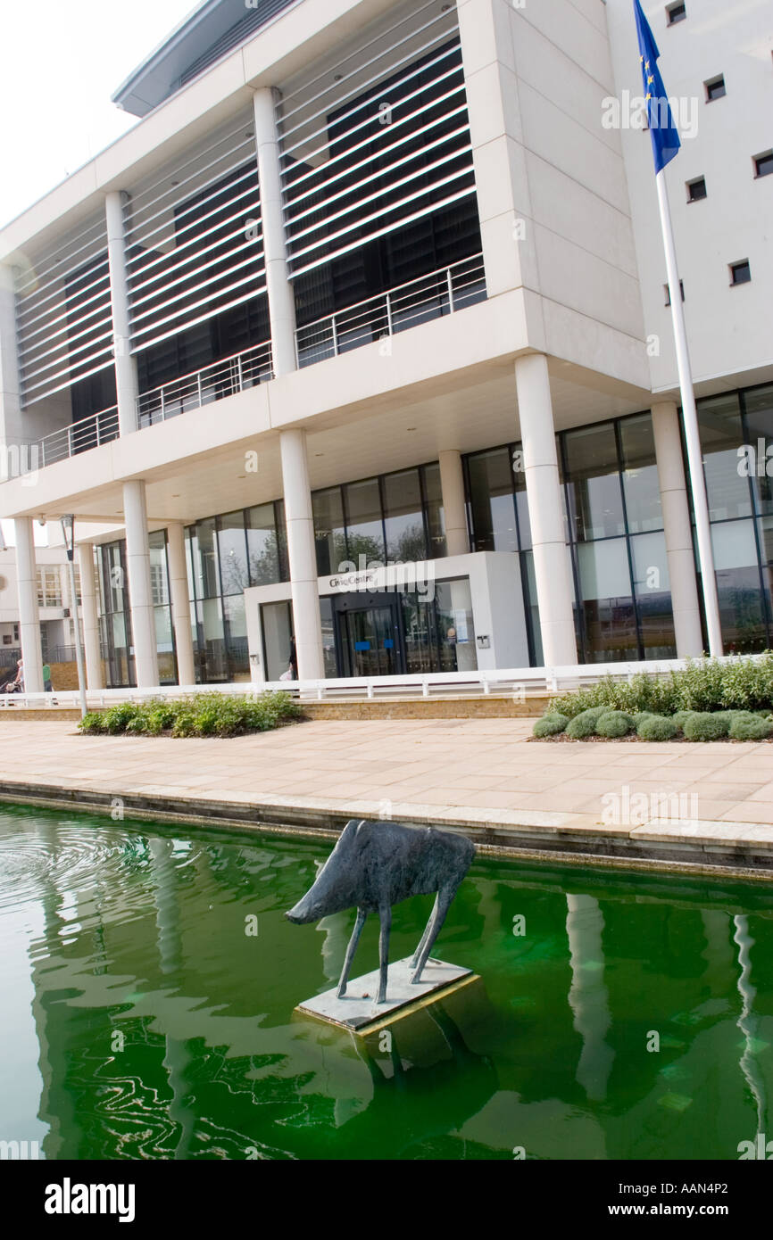 'Boar' bronze statue by Elisabeth Frink 1970 in Front of Water Gardens and Harlow Civic Centre Essex GB UK - Stock Image