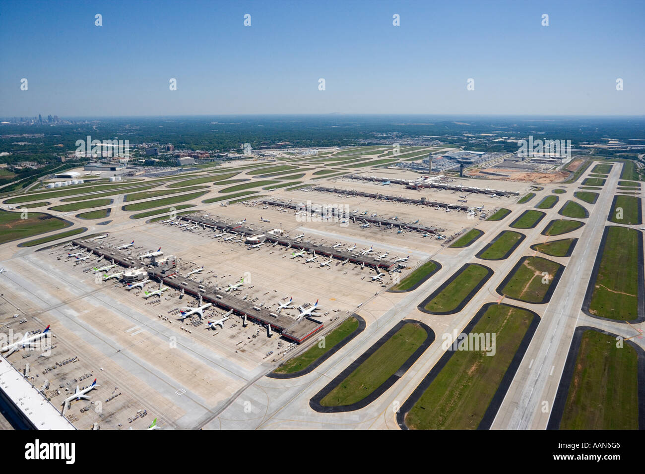 Favoritos Aerial photo of Atlanta Hartsfield Jackson International Airport  SL83