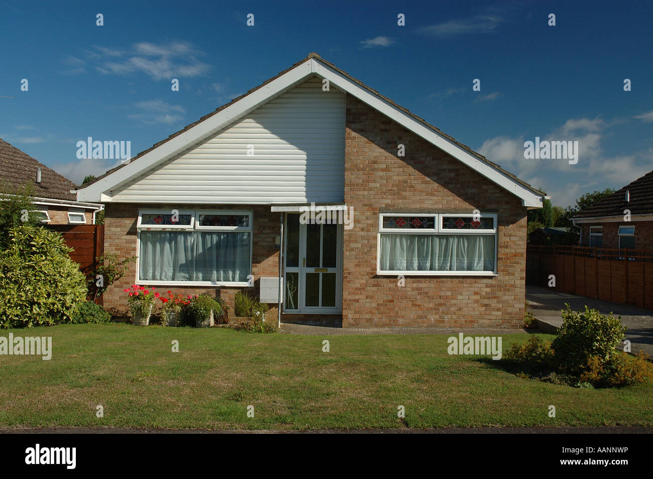 Traditional 60 / 70s bungalow - Stock Image