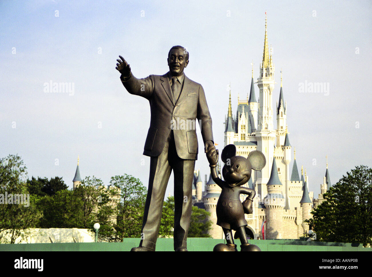 Disney Online - The Official Home Page of The]