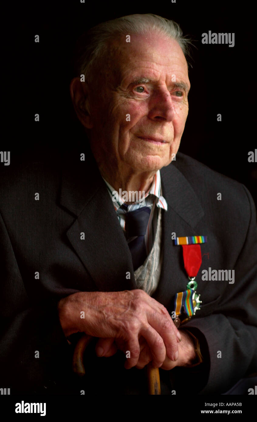 BRITAINS OLDEST SURVIVING VETERAN HARRY PATCH 105 YEARS IN 2004 WHO FOUGHT AT YPRES IN THE FIRST WORLD WAR - Stock Image