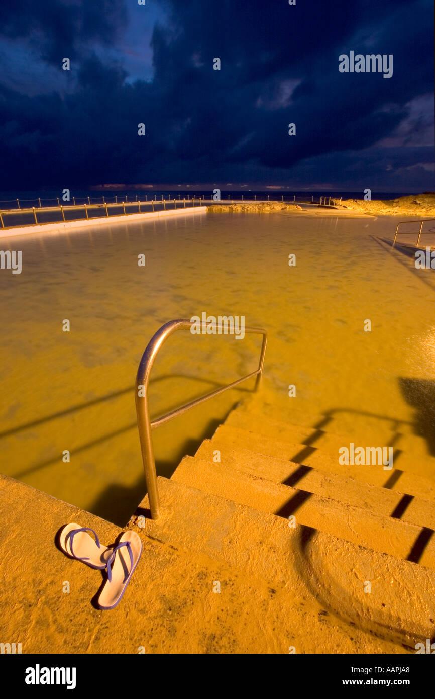 Rock pool pre-dawn at South Curl Curl in Sydney, Australia Stock Photo