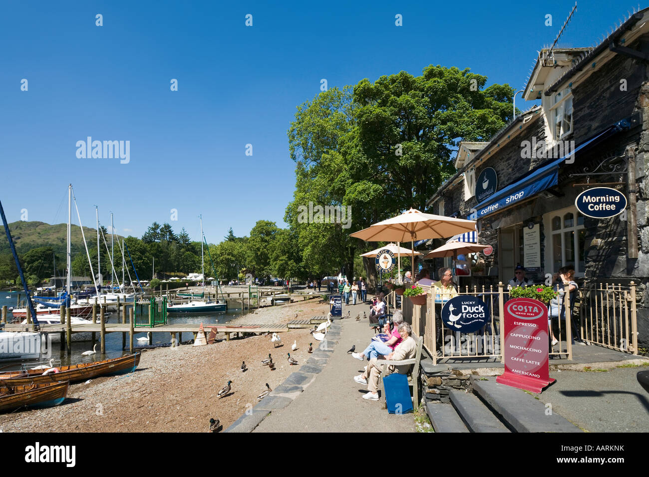 Coffee Shop, Waterhead Bay, Ambleside, Lake Windermere, Lake District, Cumbria, England, UK - Stock Image
