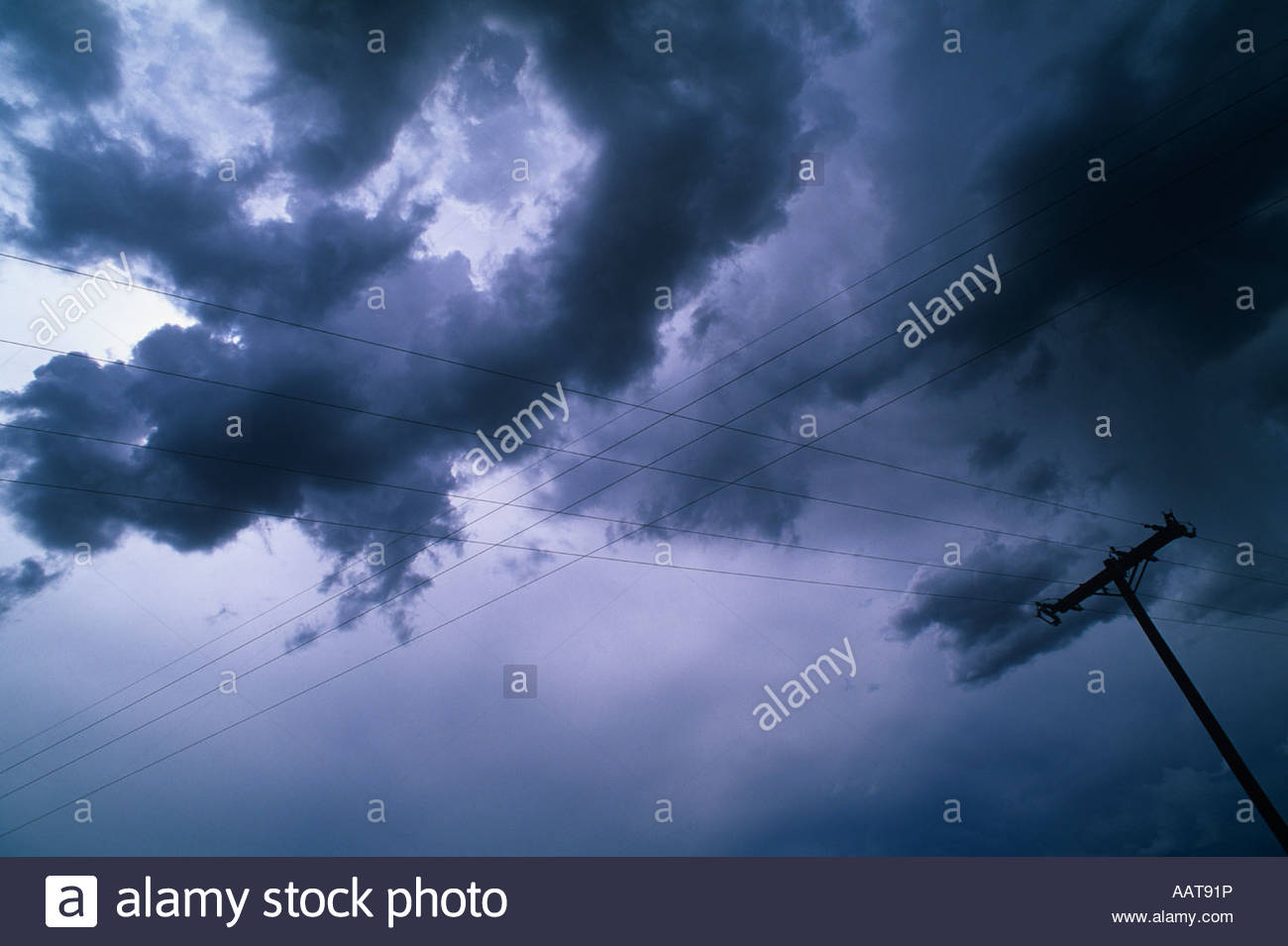 Crossed wires under a severe thunderstorm, Amarillo, Texas. - Stock Image