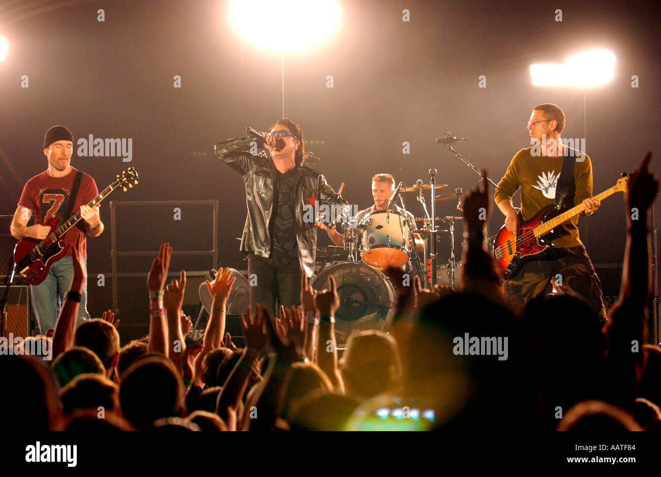 U2 live Earl s Court London 18th August 2001 Stock Photo