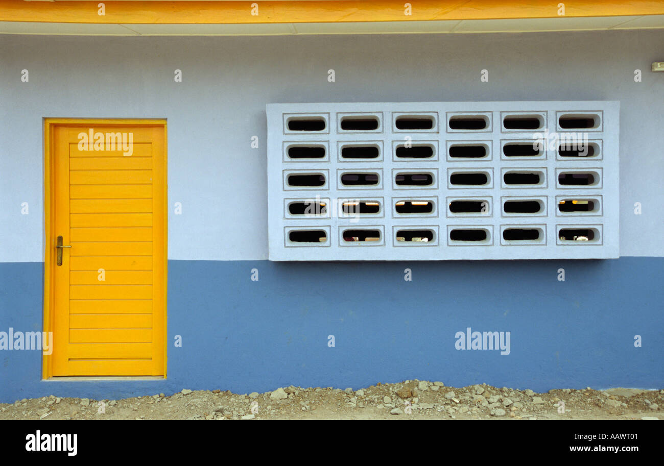 New school building in a Liberian refugee camp in Ghana - Stock Image