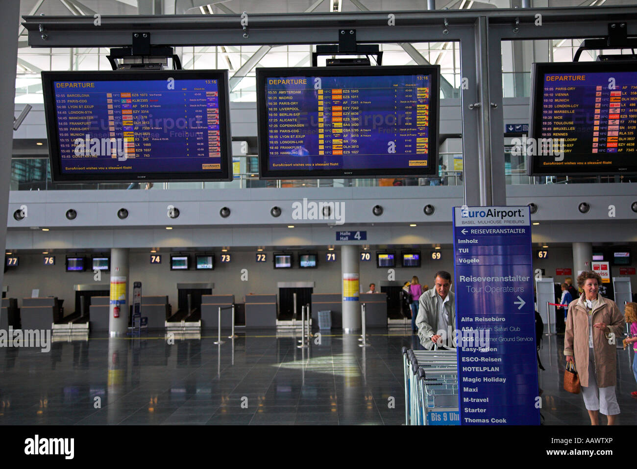 arrival departure board at the euroairport basel mulhouse freiburg in stock photo 12712317 alamy. Black Bedroom Furniture Sets. Home Design Ideas