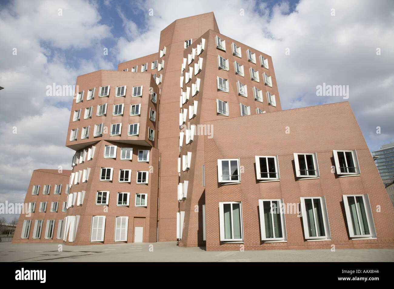 Medienhafen, Neuer Zollhof, Düsseldorf, Germany Dusseldorf, Duesseldorf, Designed by Frank Gehry - Stock Image