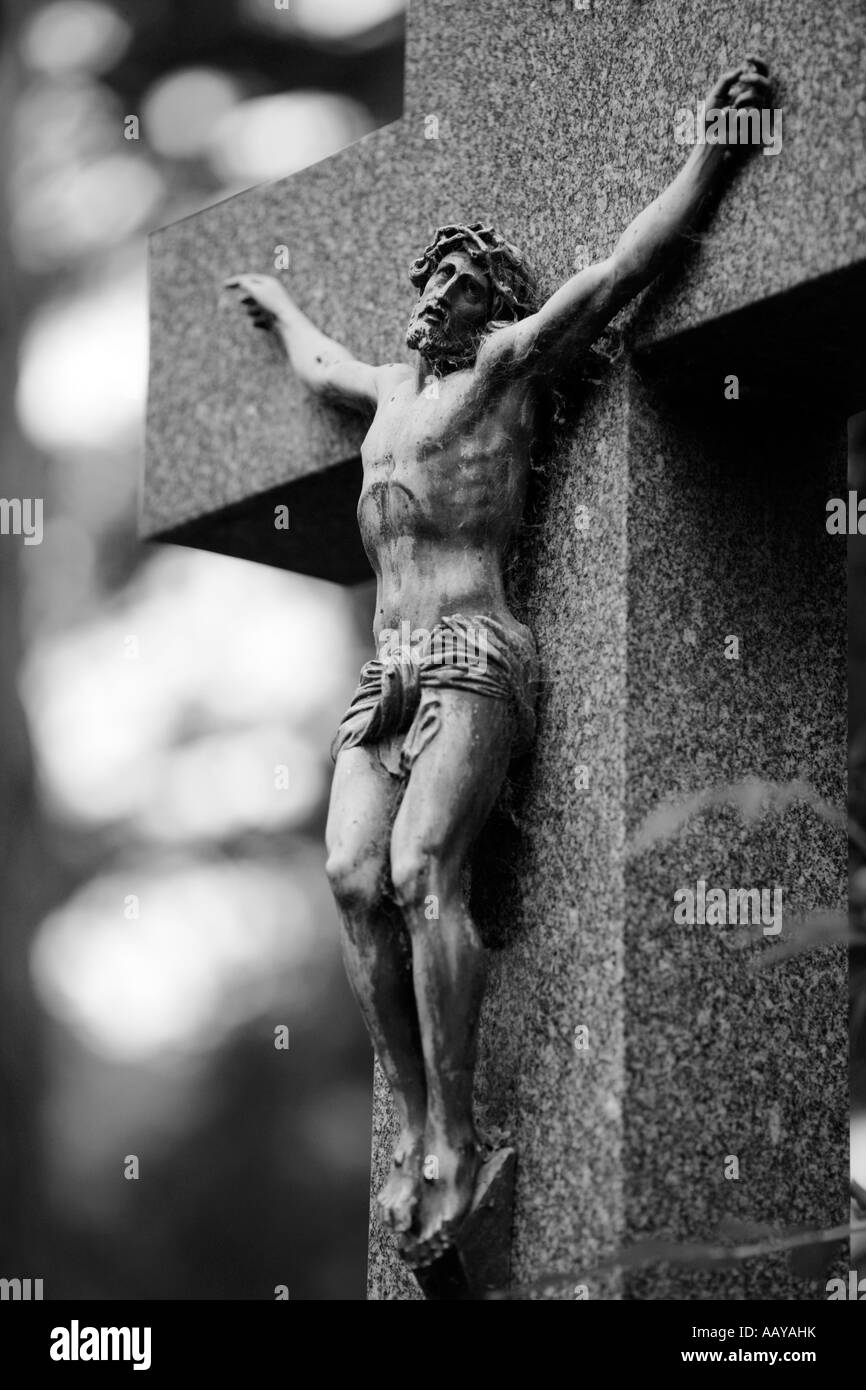Jesus Christ Being Crucified On The Cross Wearing A Crown Of Thorns Statue Gravestone