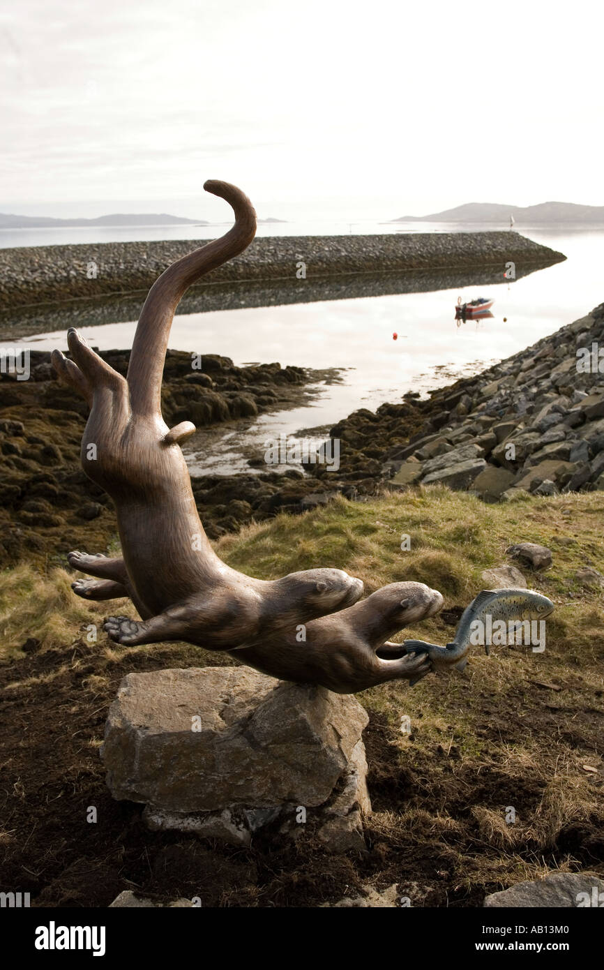 UK Scotland Western Isles Outer Hebrides Barra otter sculpture by Iain Brady at Aird Mhor ferry terminal - Stock Image