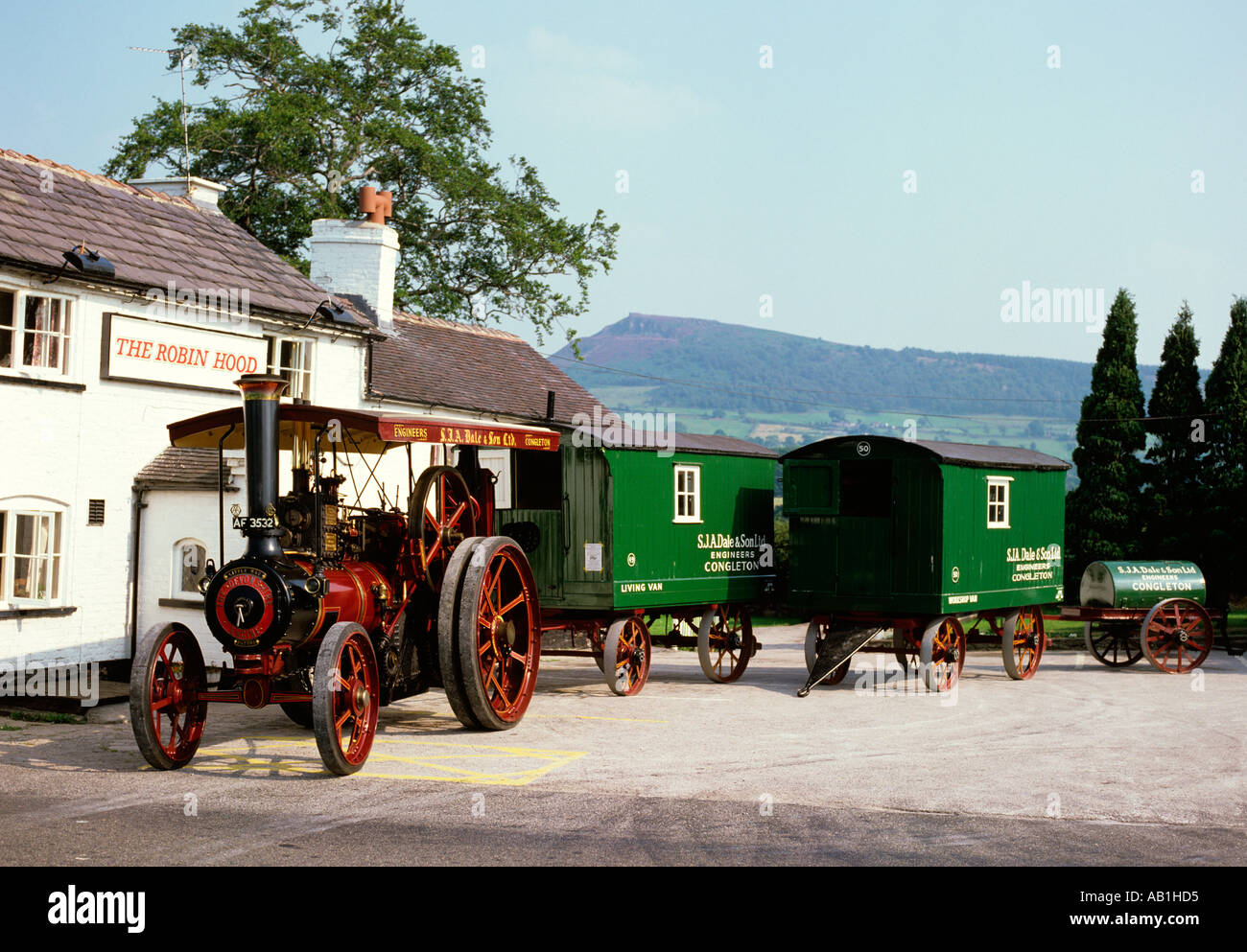 Congleton Cheshire Transport 1907 Burrell Traction Engine outside Robin Hood pub - Stock Image