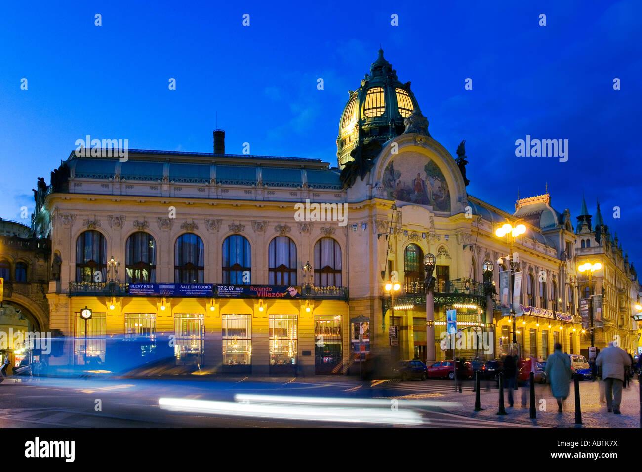 Obecni dum Stare Mesto UNESCO Praha Ceska republika Stock Photo
