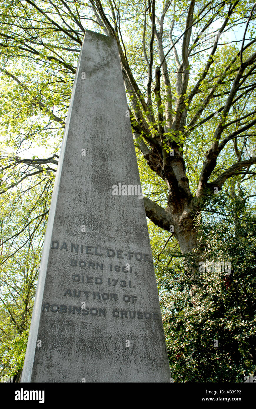 Daniel Defoe gravestone in Bunhill Fields Cemetery London Borough of Islington - Stock Image