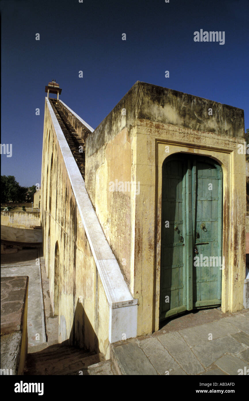 Jai Singh II s observatory of Astronomical instruments This is the Samrat Yantra and stands 23m 75ft high The Sundial forcas - Stock Image