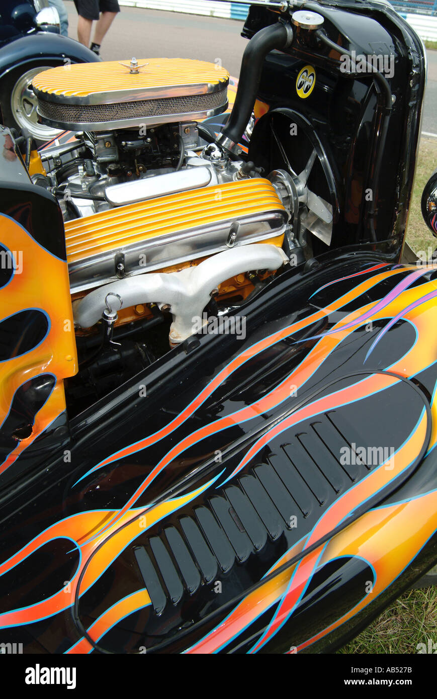 hot rod small block chevy chevrolet v8 engine in a hotrod