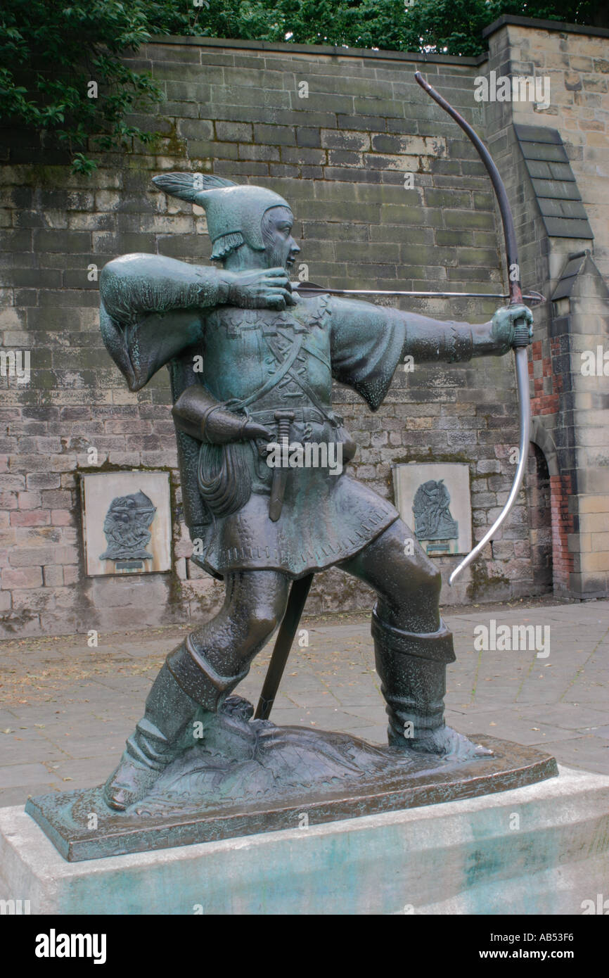 Robin Hood Statue, outside Nottingham Castle, UK Stock Photo: 742390