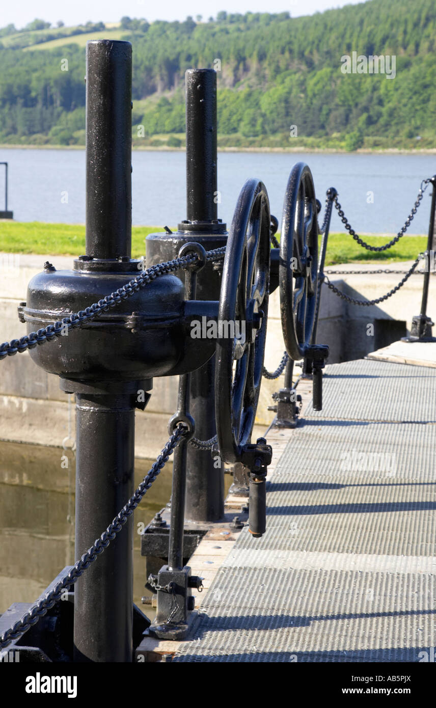 vertical newry ship canal lock gates and controls at the newly refurbished victoria lock at carlingford lough - Stock Image