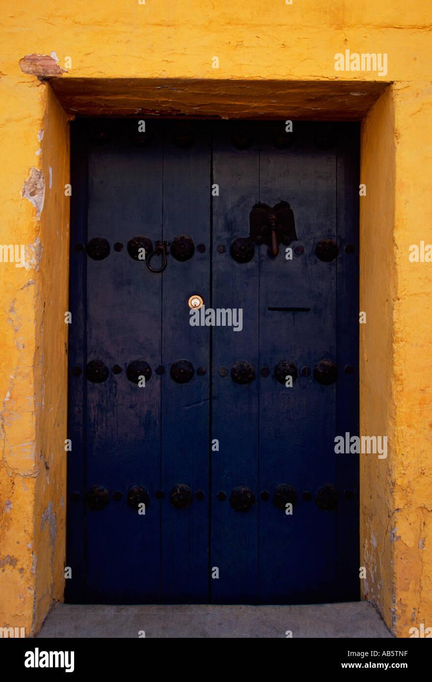entry door, Barrio Xochimilco, capital city, Oaxaca, Oaxaca de Juarez, Oaxaca State, Mexico - Stock Image