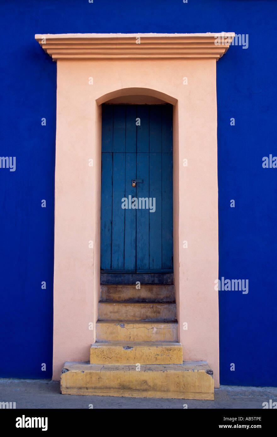 entry doorr, Barrio Xochimilco, capital city, Oaxaca, Oaxaca de Juarez, Oaxaca State, Mexico - Stock Image
