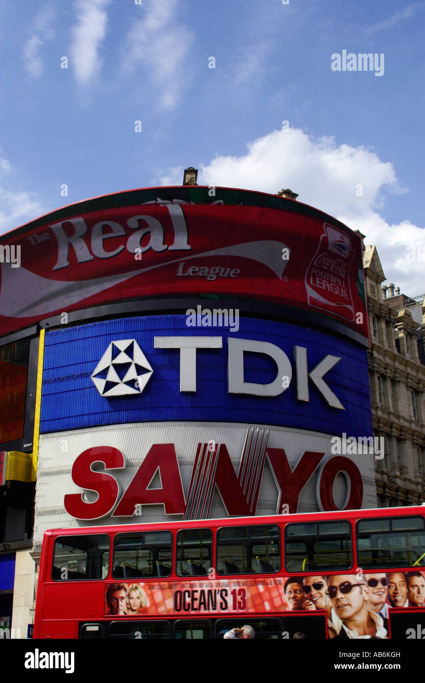 Picadilly Circus with London Bus Picadilly London England UK 2007 - Stock Image