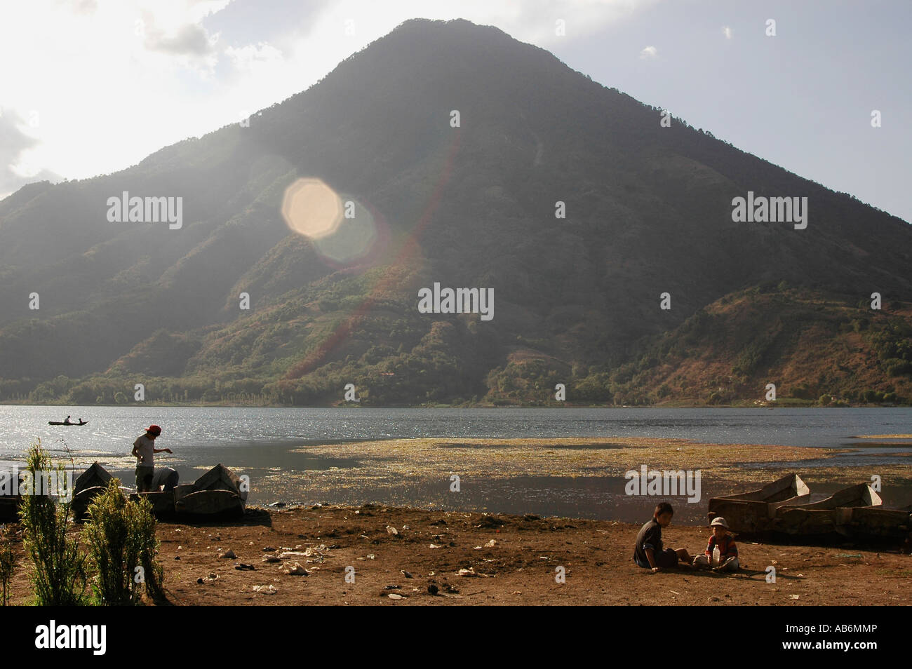 Volcan San Pedro viewed from the shores of Santiago Atitlan, Lake Atitlan, Guatemala. - Stock Image