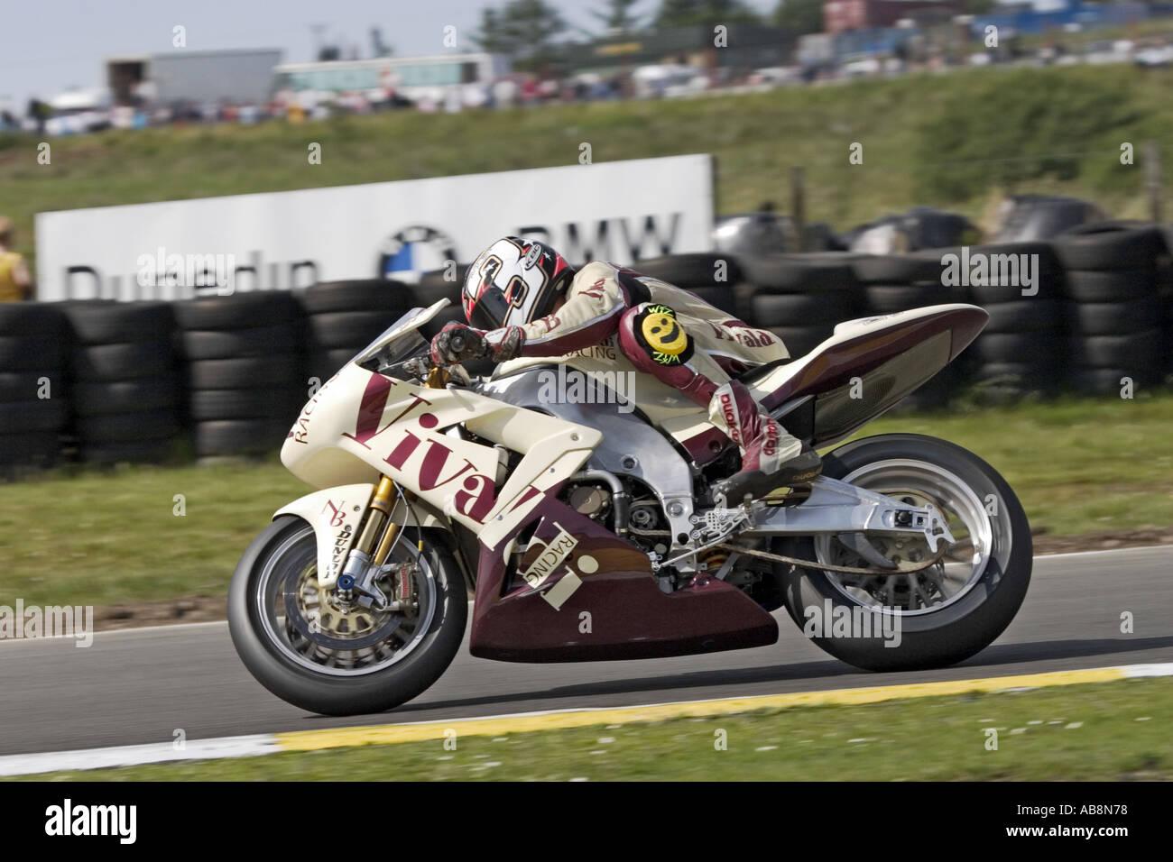 Tristan Palmer riding for Vivaldi Racing team at the Scottish round of the British Superbike Championship 2005 - Stock Image