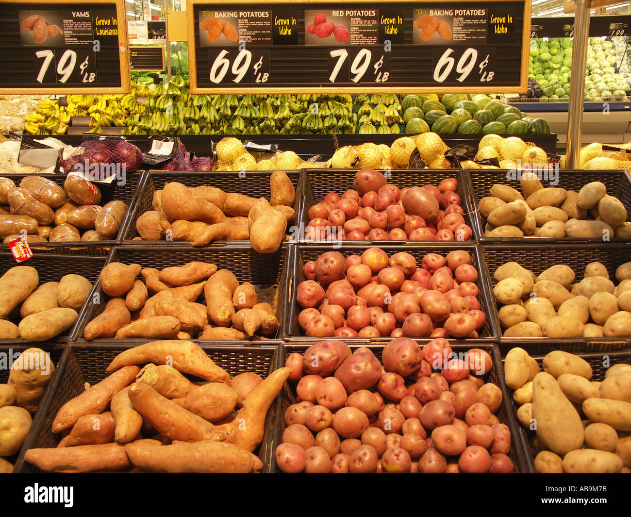Potatoes and Yams in Grocery Store Stock Photo: 4186234 - Alamy