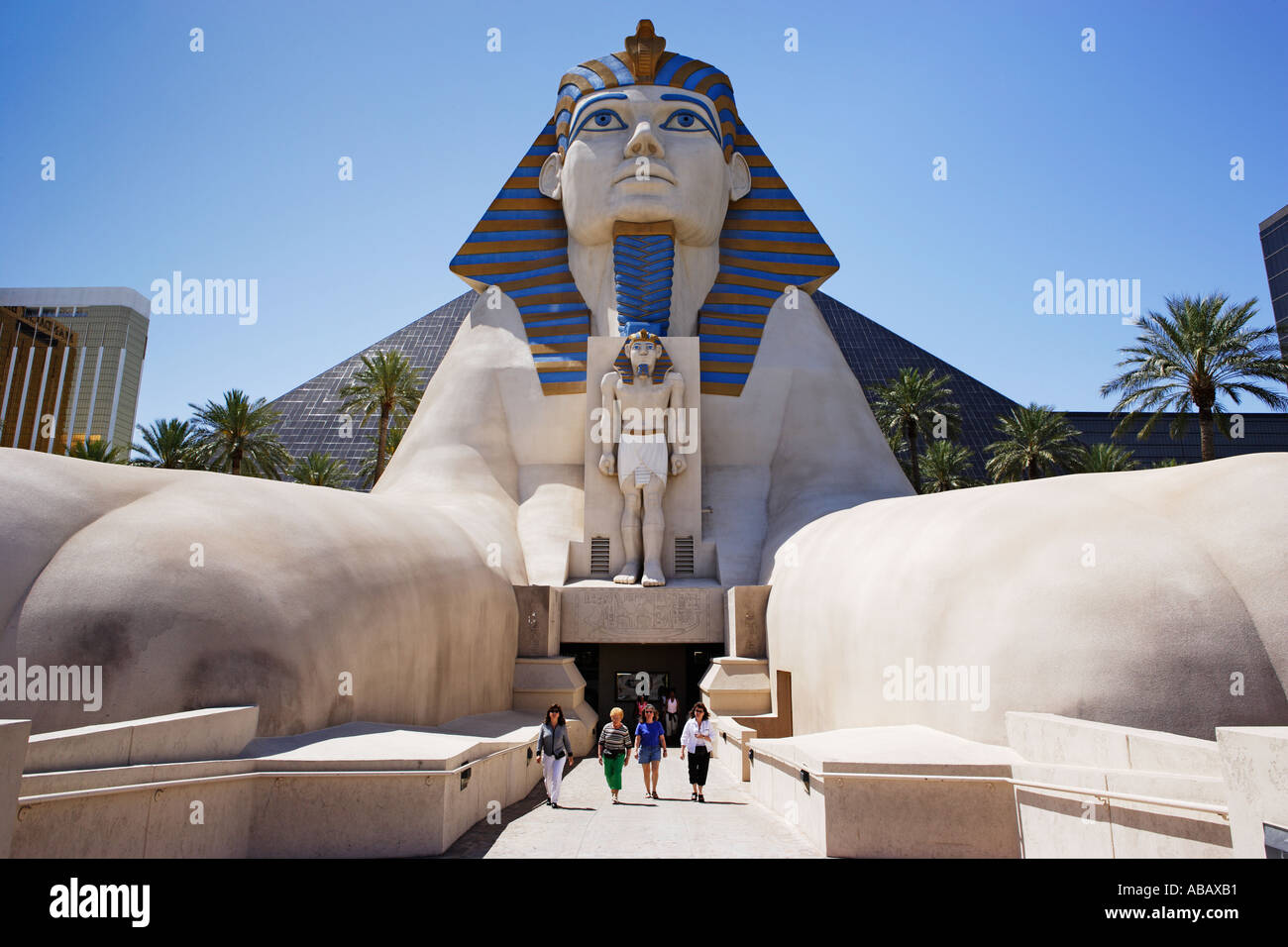 Las Vegas Luxor Hotel Casino Sphinx And Pyramid Stock Photo 4190896