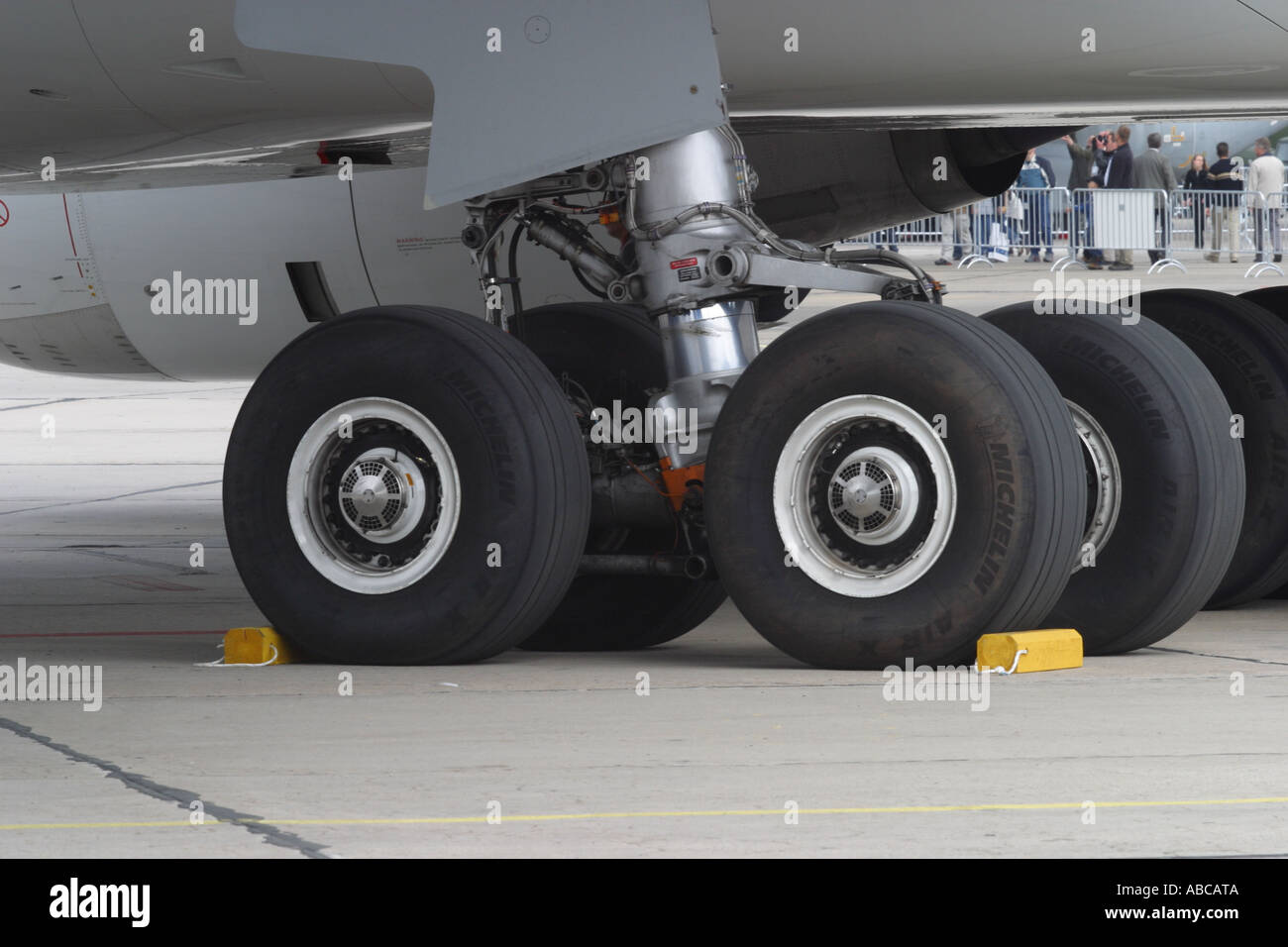 Airliner undercarriage leg wheel and tyre - Stock Image