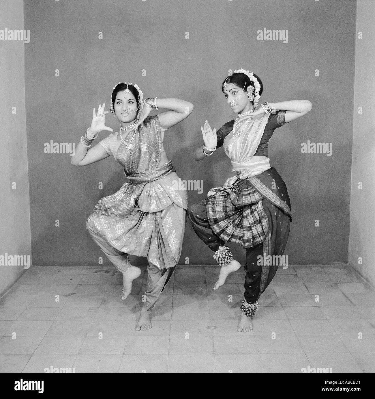 Indian Classical Dance Black And White Stock Photos Images Alamy